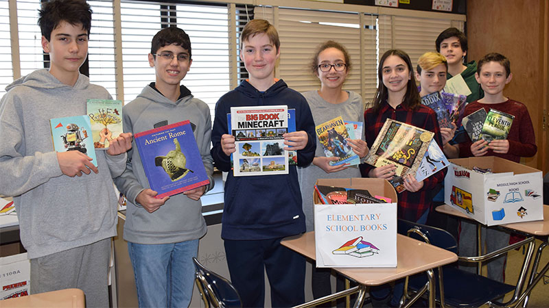 Grand Avenue Builders' Club Hosts Book Drive